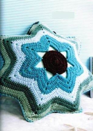 Подушка крючком Звезда