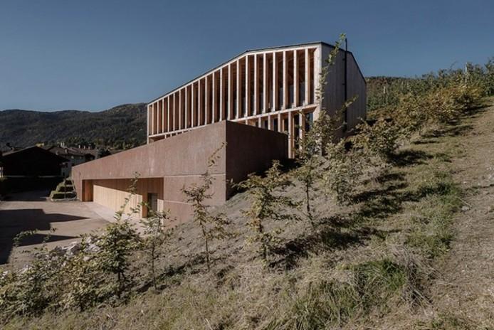 «Дом культуры» в итальянской деревне от Mirko Franzoso