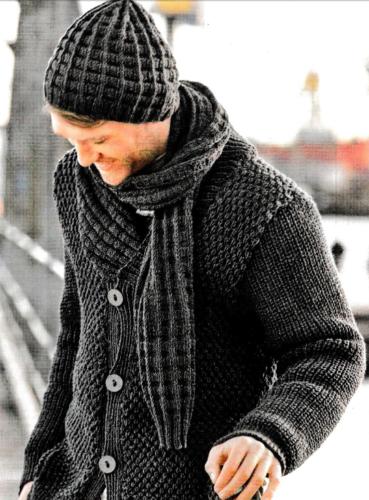 Мужская шапка и шарф, вязаные спицами